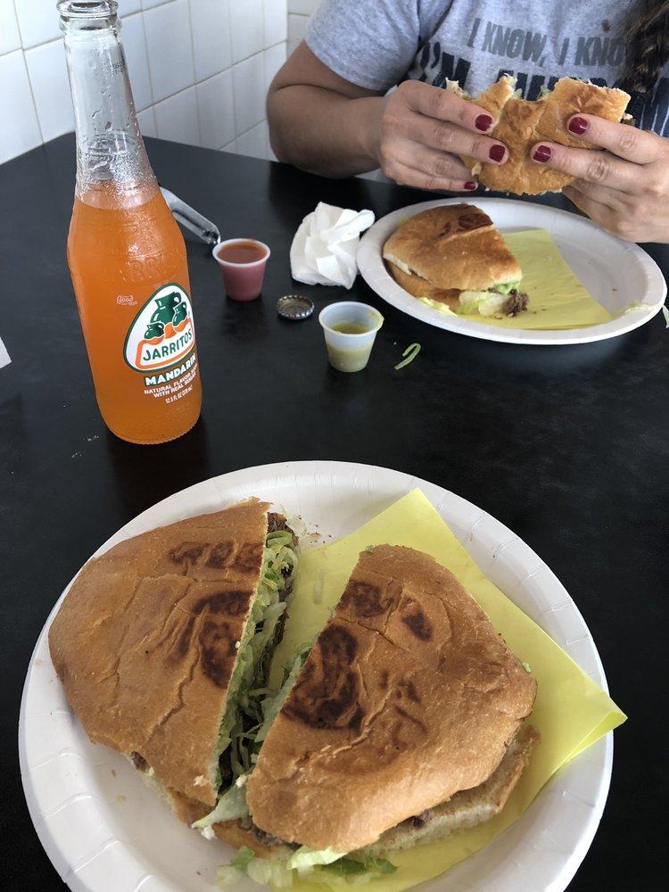 Los Juanitos Mexican Food