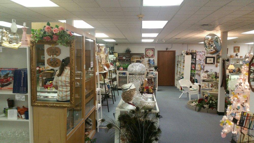 Yesterday's Rose Antique Mall: 101 NE 21st, Abilene, KS