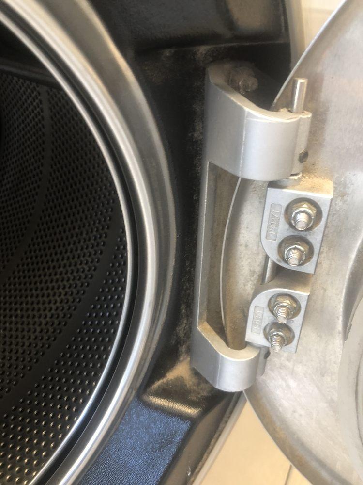 Washworks Car Wash And Laundromat: 2612 Valley Junction Dr, Eden, UT
