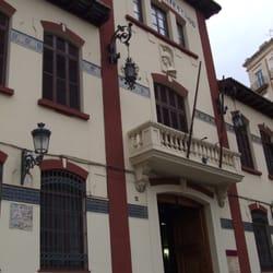 Escuela de artesanos kunstakademie avinguda del regne - Artesanos valencia ...