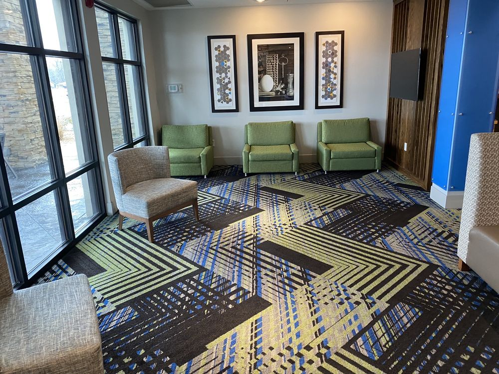 Holiday Inn Express & Suites - White Hall: 7800 Sheridan Rd, White Hall, AR