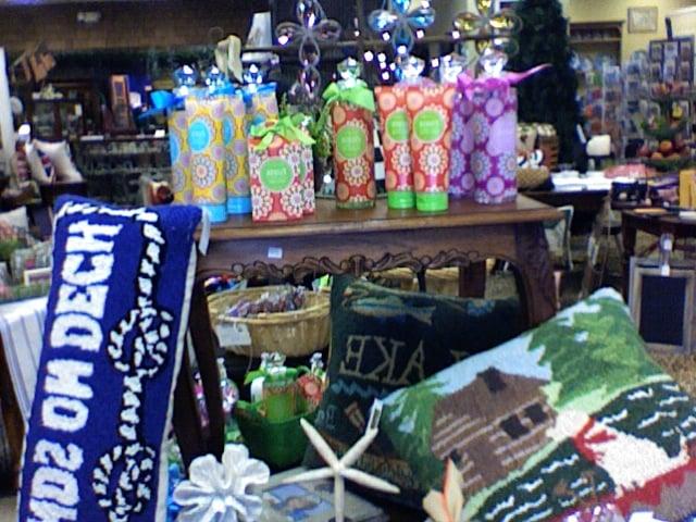 Wishing Well Antiques & Gifts: 901 S John Redditt Dr, Lufkin, TX