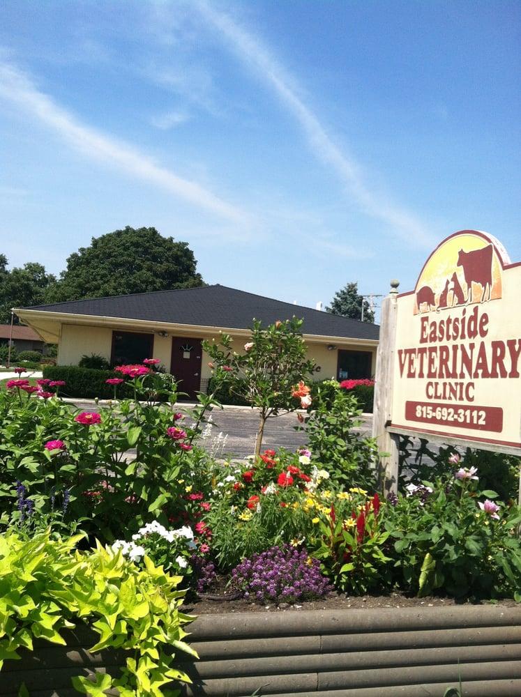 Eastside Veterinary Clinic: 808 E Oak St, Fairbury, IL