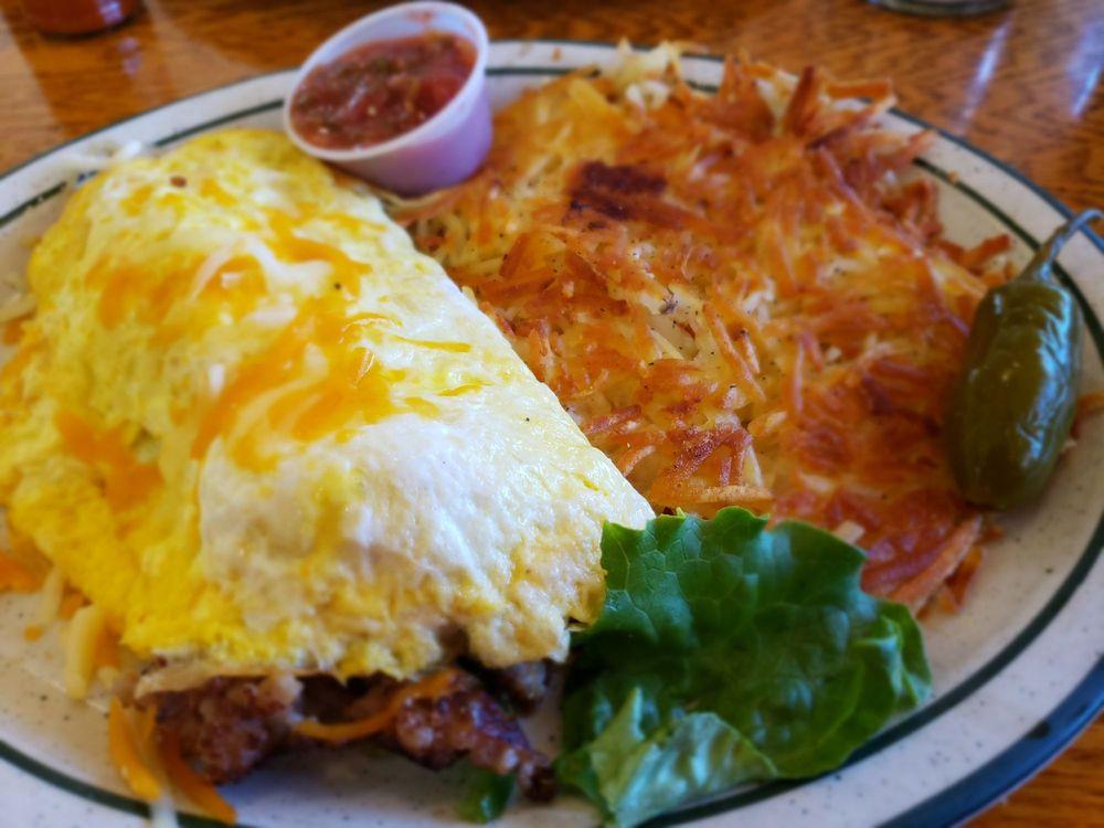 Vittles Family Restaurant: 2385 North St, Anderson, CA