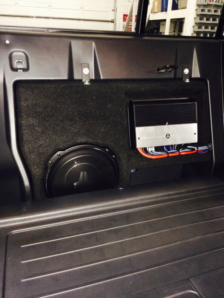 Car Audio - Stealthbox® - Toyota - Tacoma