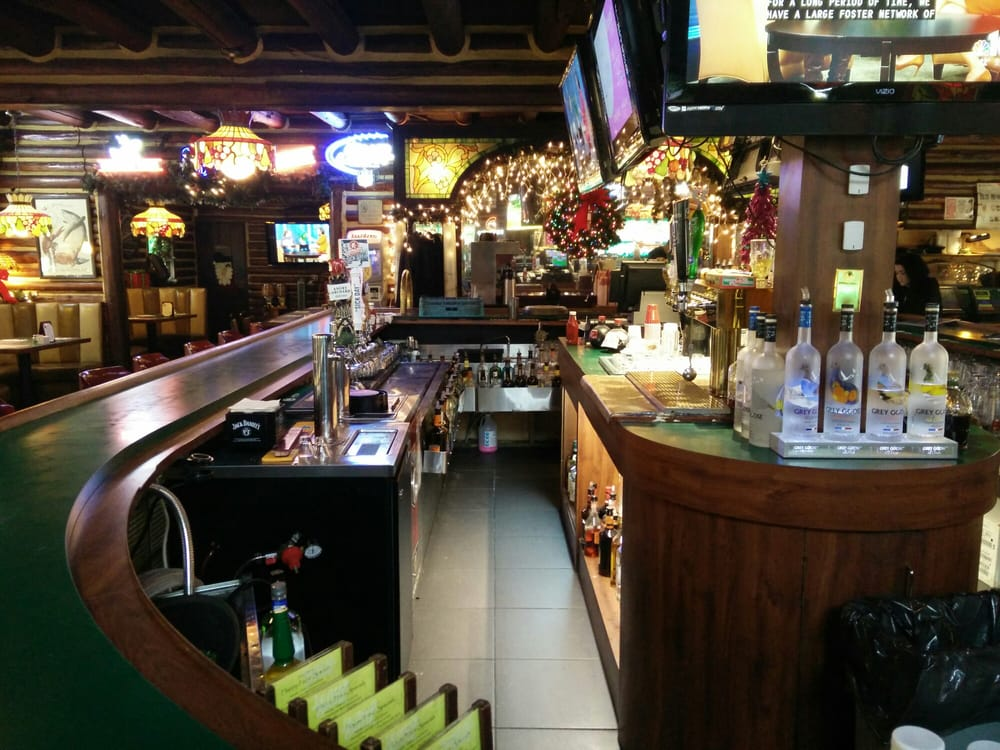 Dunleavy's Restaurant & Cocktail Lounge: 1440 Rt 38, Hainesport, NJ