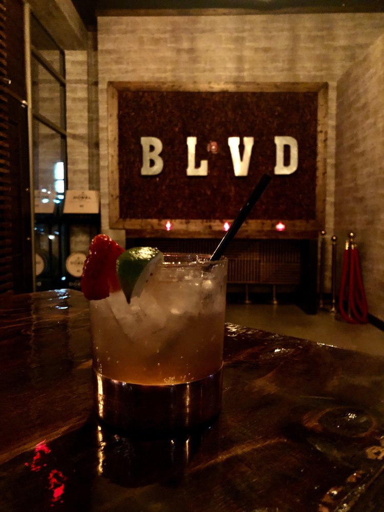BLVD Bar & Lounge