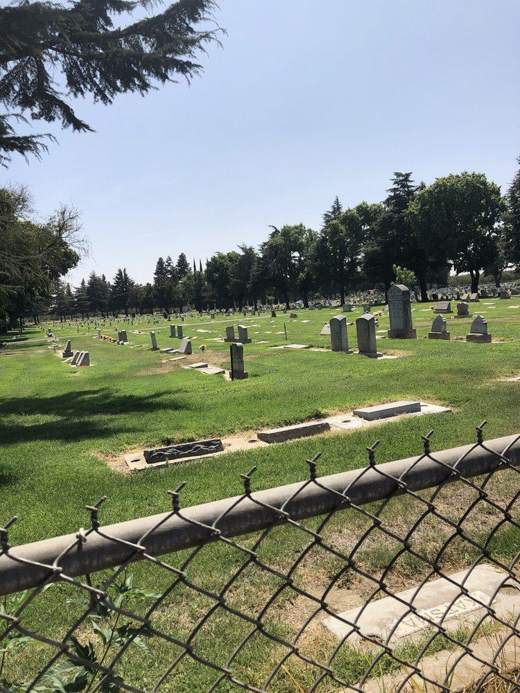 Winton Cemetery Dist: 7651W Almond Ave, Winton, CA