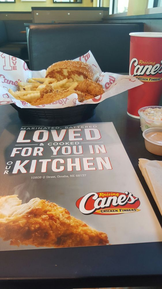 Raising Canes Chicken Fingers 14 Reviews Fast Food 10808 Q St