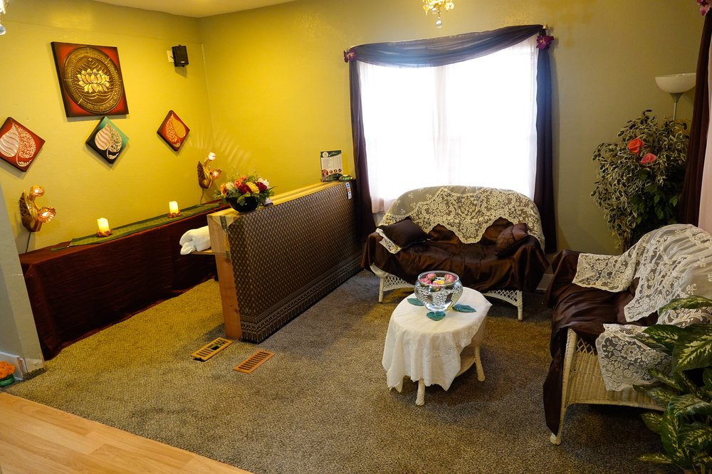 Bai Pho Thai Massage and Spa: 1218 S 4th St, Leavenworth, KS