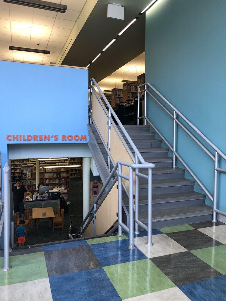 Queens Library at Windsor Park: 7950 Bell Blvd, Oakland Gardens, NY
