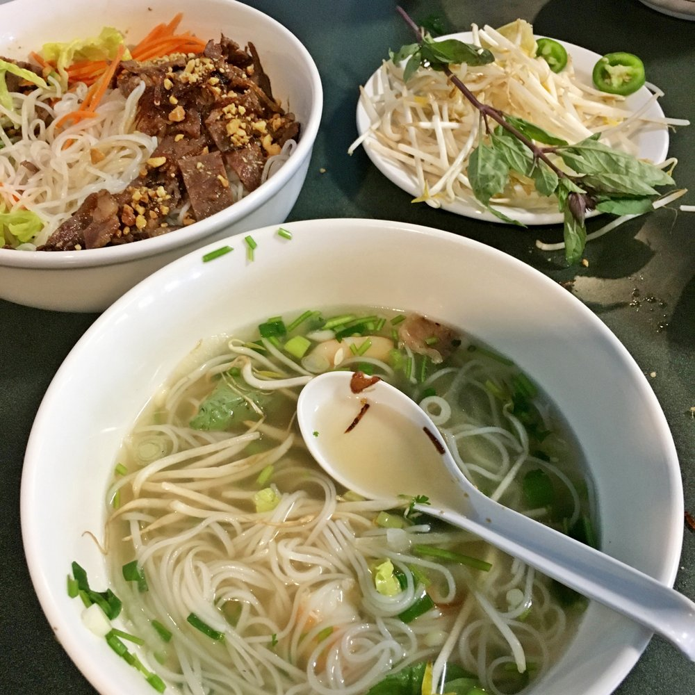 Pho Ever: 300 S Phelps Dr, Apache Junction, AZ