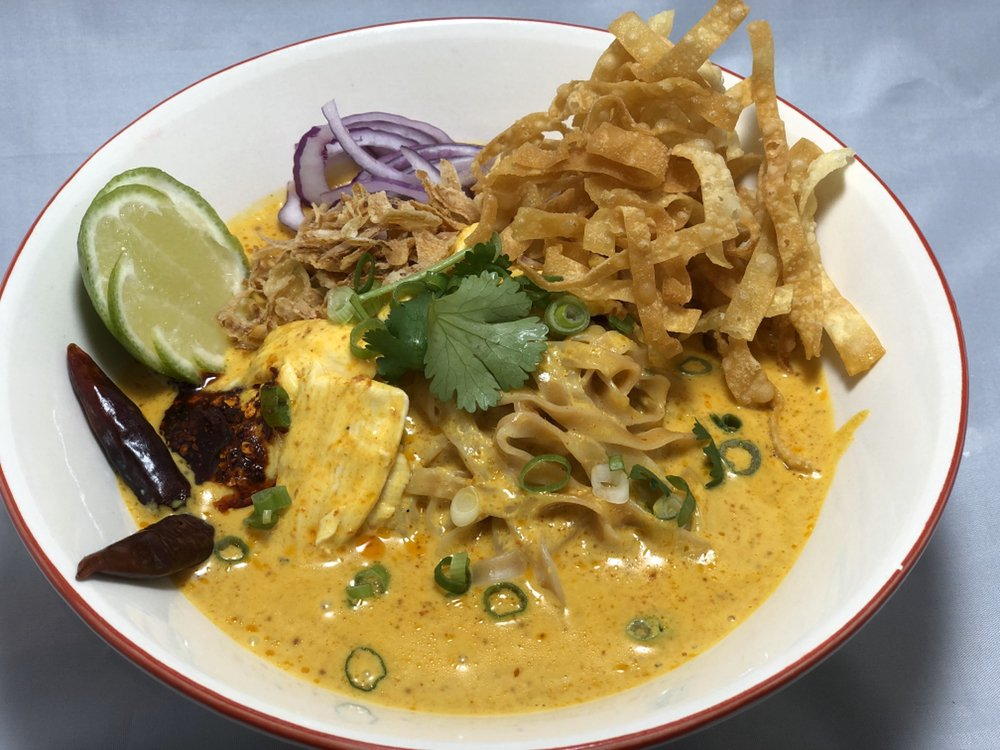 Tamarind Thai Cuisine: 65 E Daily Dr, Camarillo, CA