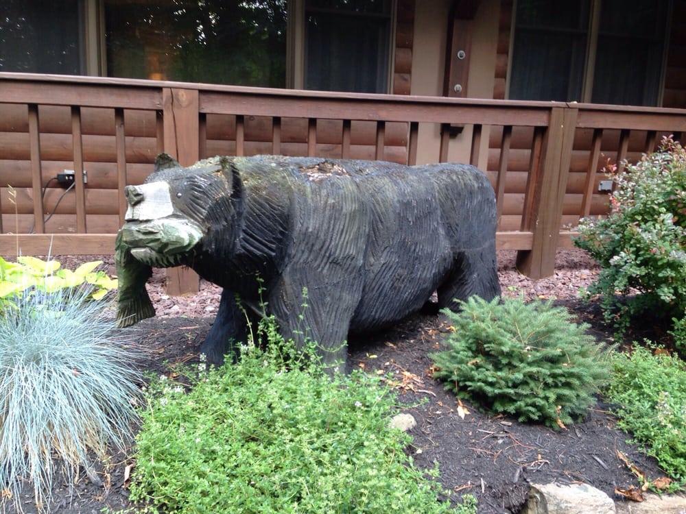 Bear Mountain Lodge: 8010 Rt 6, Wellsboro, PA