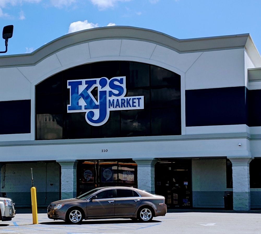 KJ's Market: 110 US 52, Moncks Corner, SC
