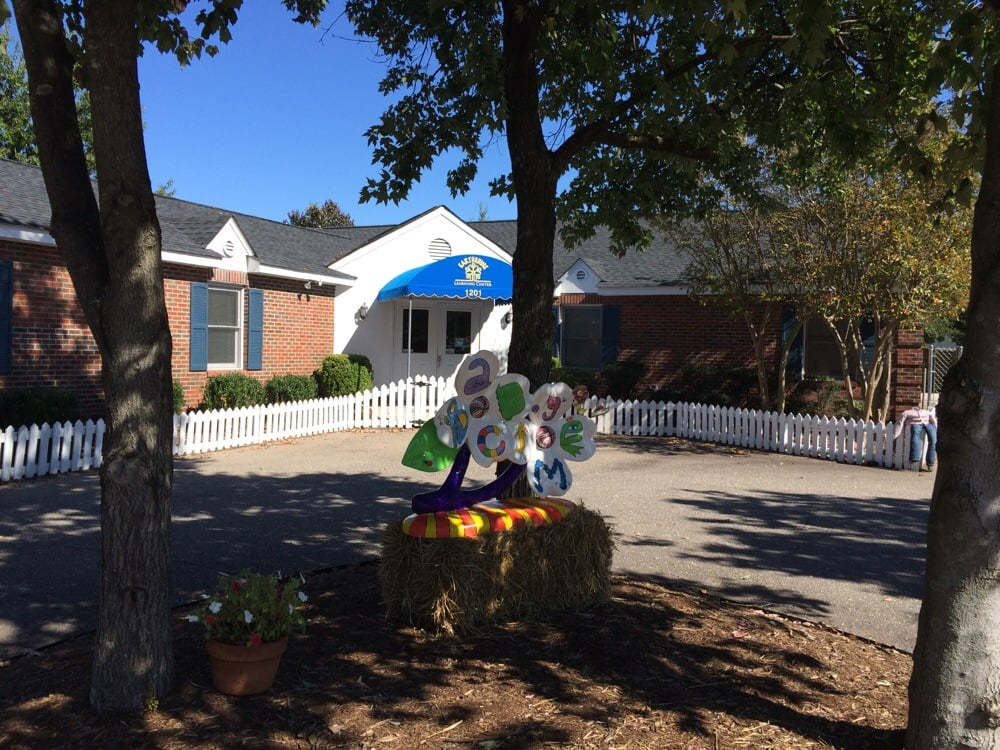 Earthshine Learning Center: 1201 Cape Ct, Fayetteville, NC
