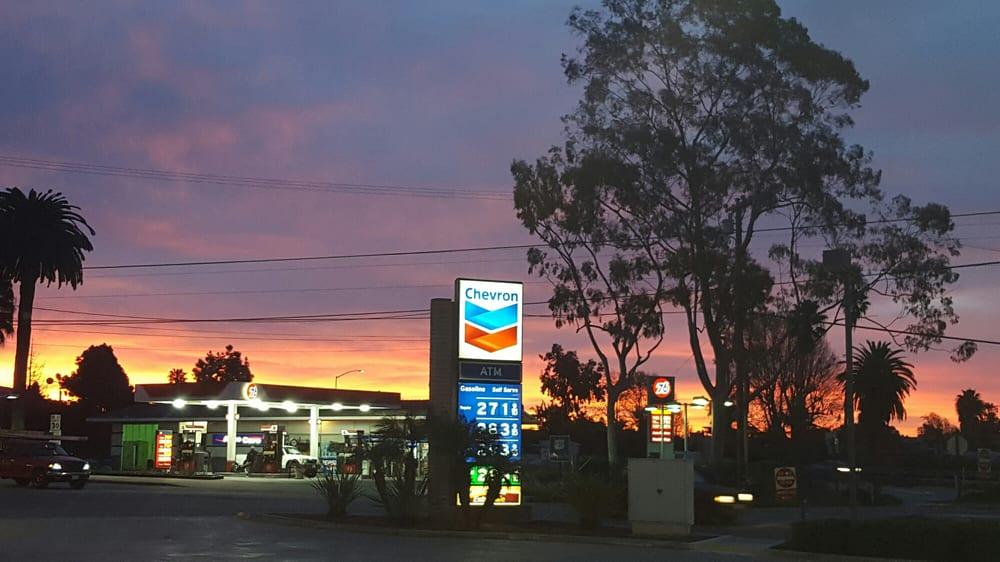 Chevron Station: 4290 Via Real, Carpinteria, CA