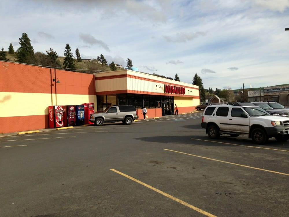 Rosauers Food & Drug: 632 N Main St, Colfax, WA