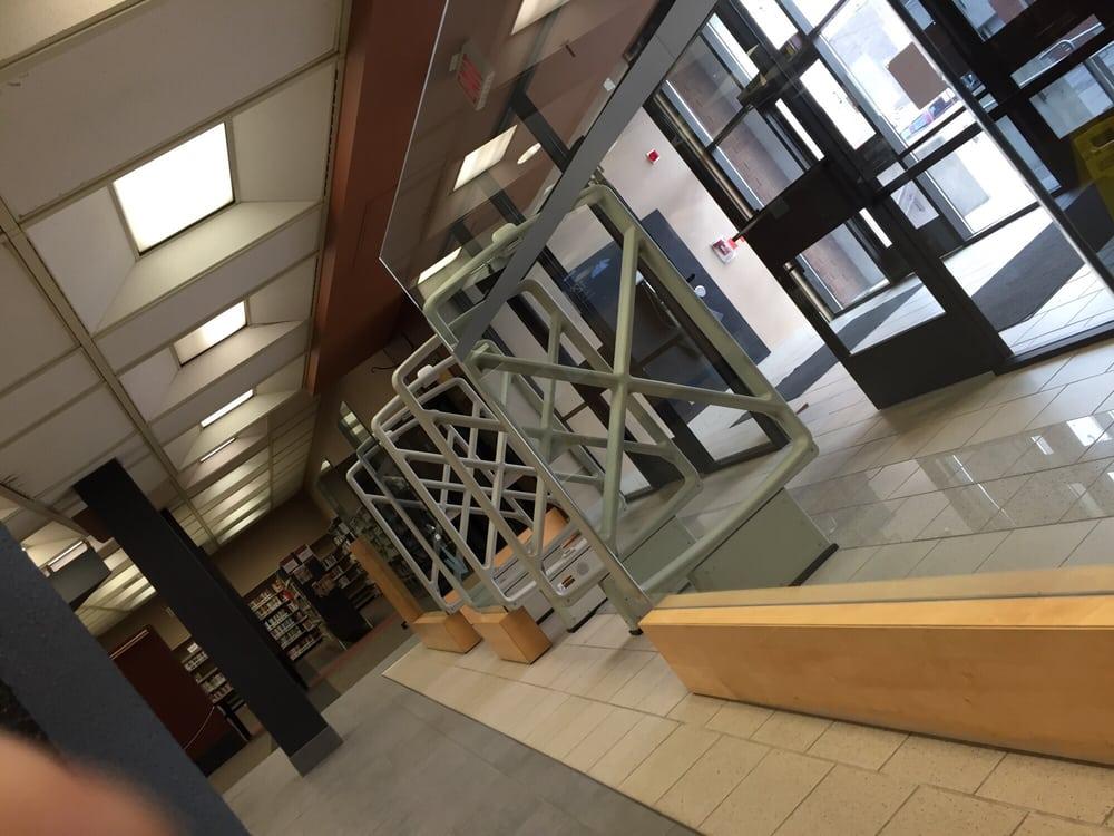 Windsor Public Library: 850 Ouellette Avenue, Windsor, ON