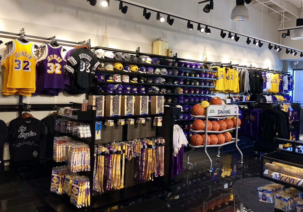 6f9fb254ef8 Lakers Team Shop - 100 Photos & 43 Reviews - Sports Wear - 729 North ...