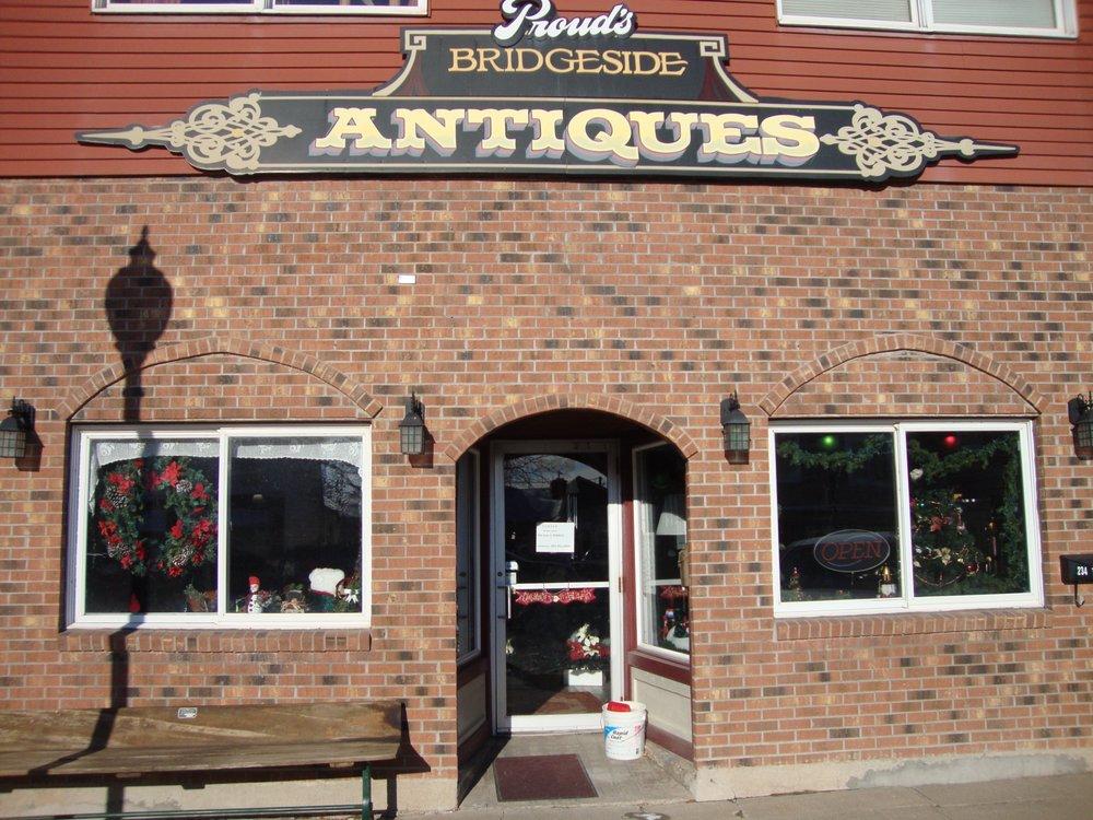 Proud's Bridgeside Antiques: 234 Main St W, Wabasha, MN
