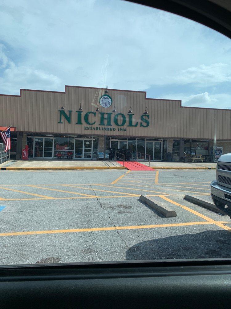 Nichols: 915 E 4th St, Dequincy, LA