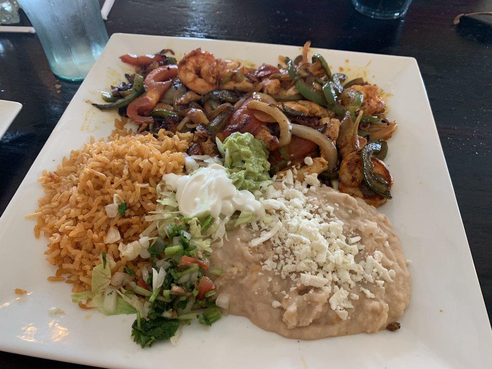 Garibaldi Mexican Cuisine: 440 Elm St, Ceresco, NE