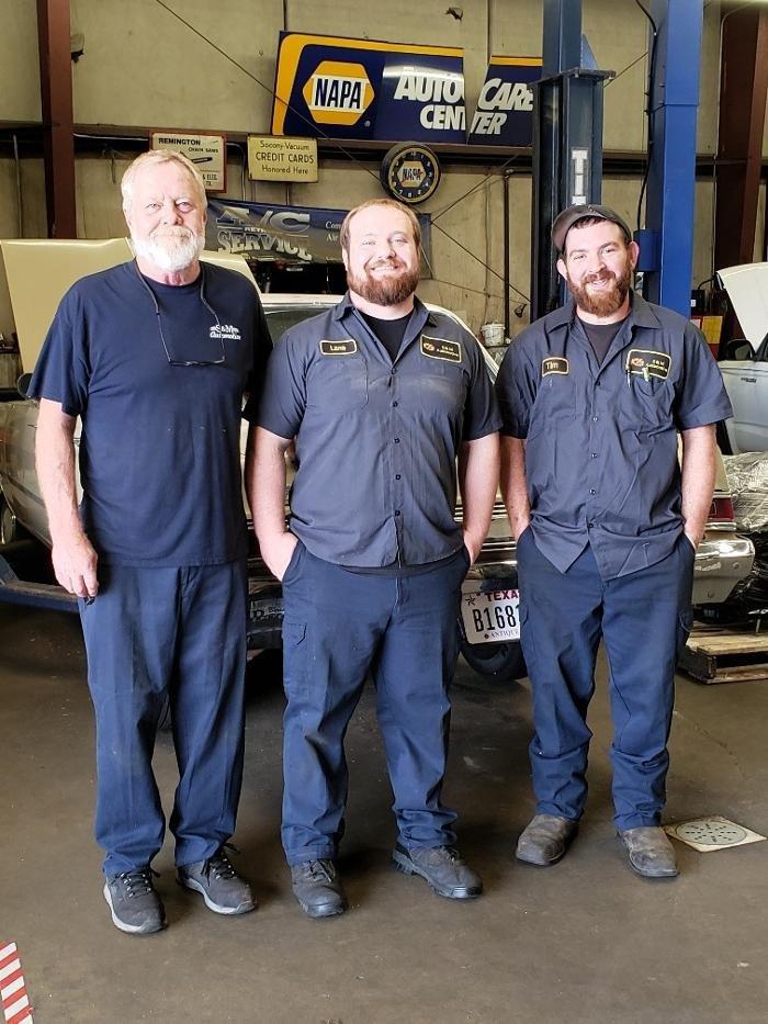 S & M Automotive: 808 Weatherly St, Borger, TX