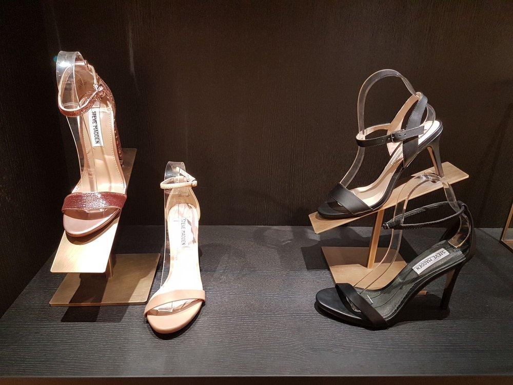 ad84d5995872d8 Onygo - Shoe Stores - Ballindamm 40