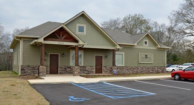 Three Lakes Dental: 1619 Gilmer Ave, Tallassee, AL