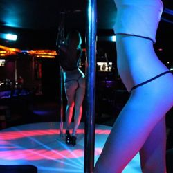 strip reviews Arizona club