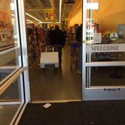 Walmart hours manhattan ks