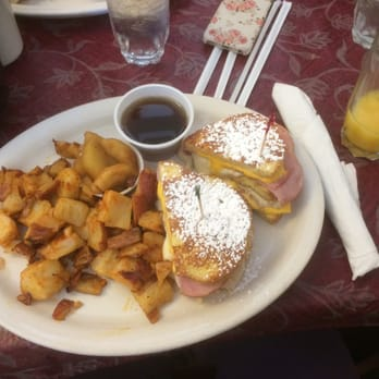 Photo Of Courtney S Restaurant Raleigh Nc United States French Toast Sandwich