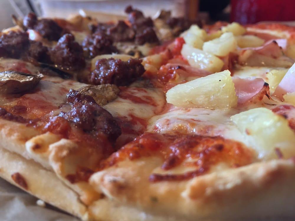 Pat's Pizza of Auburn: 85 Center St, Auburn, ME
