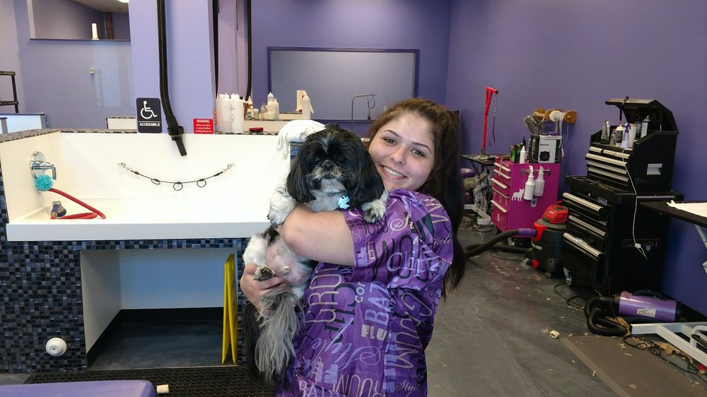 Peppers Pet Spa: 25321 Railroad Canyon Rd, Lake Elsinore, CA