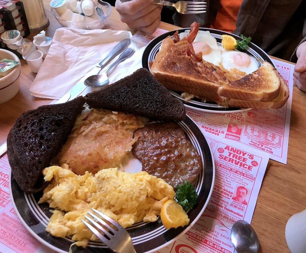 Alamode Cafe: 407 N State St, Big Rapids, MI