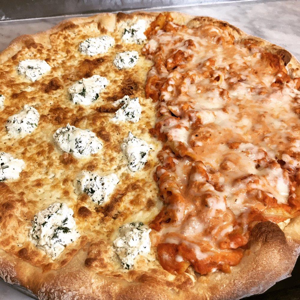Avellino Pizza: 118 Rte 304, Bardonia, NY