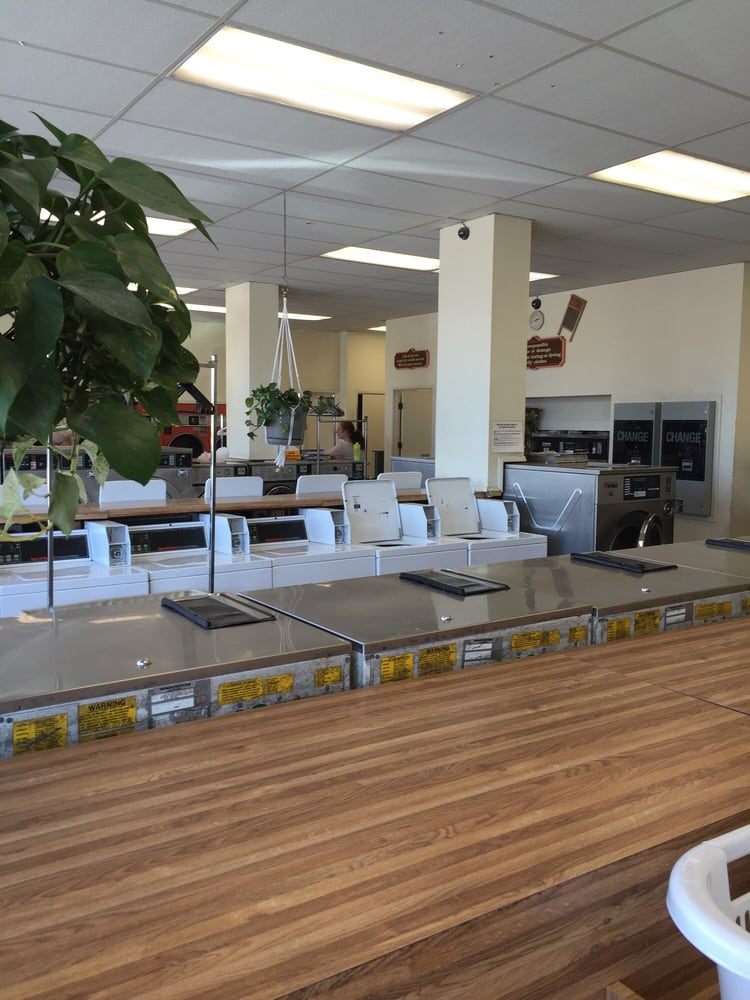 Washboard Laundromat: 111 S Halcyon Rd, Arroyo Grande, CA