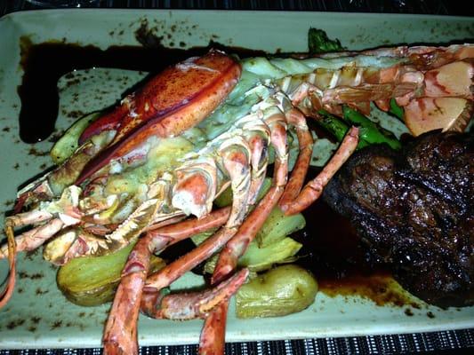 'ULU Ocean Grill + Sushi Lounge restaurant