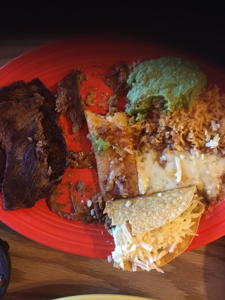 Atzimba Mexican Restaurant: 516 S Broad St, Lexington, TN