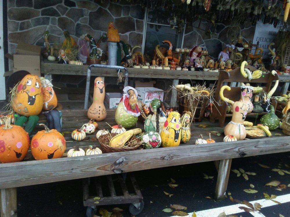 Horst Farm Market: 582 Reading Rd, East Earl, PA