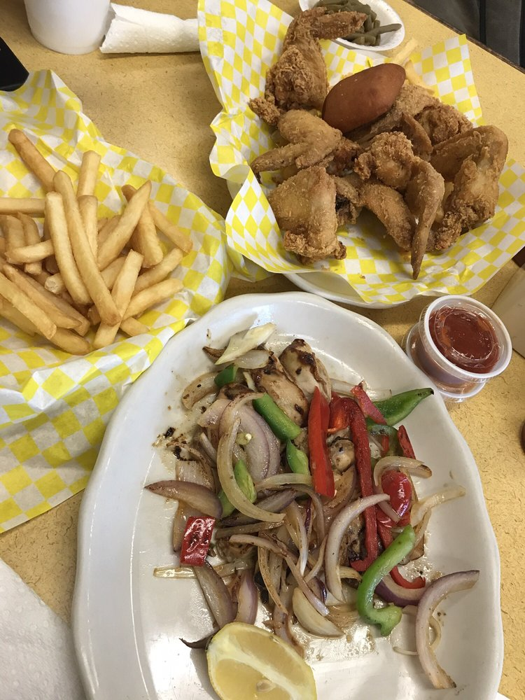 Sam Southern Eatery: 1173 E Airline Hwy, LaPlace, LA