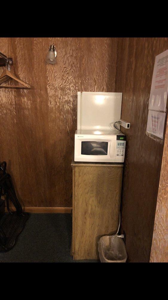 The Kane Motel: 80 Greeves St, Kane, PA