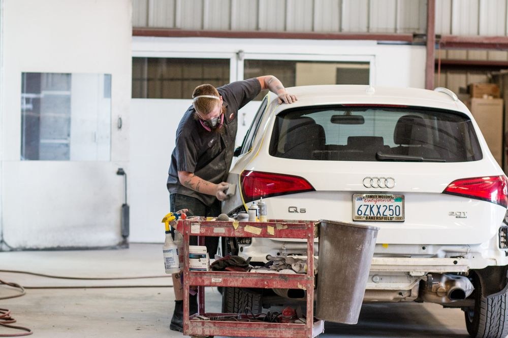 Frank's Armona Auto Body: 13784 Hanford Armona Rd, Armona, CA
