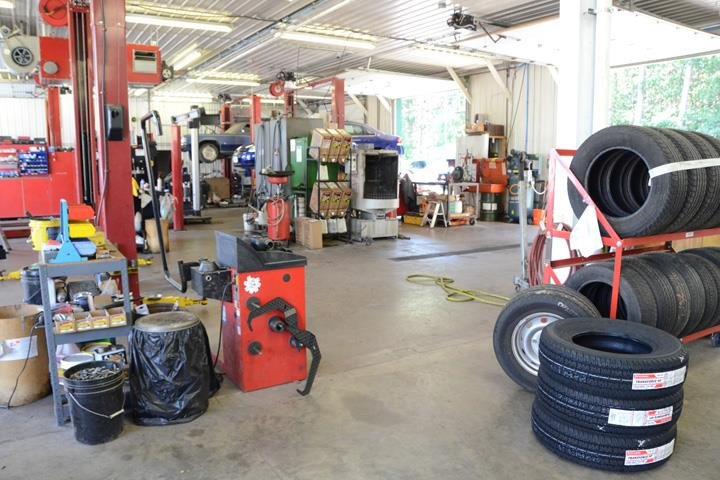 Steve's Hillcrest Truck & Auto Sales: 828 N Hillcrest Pkwy, Altoona, WI