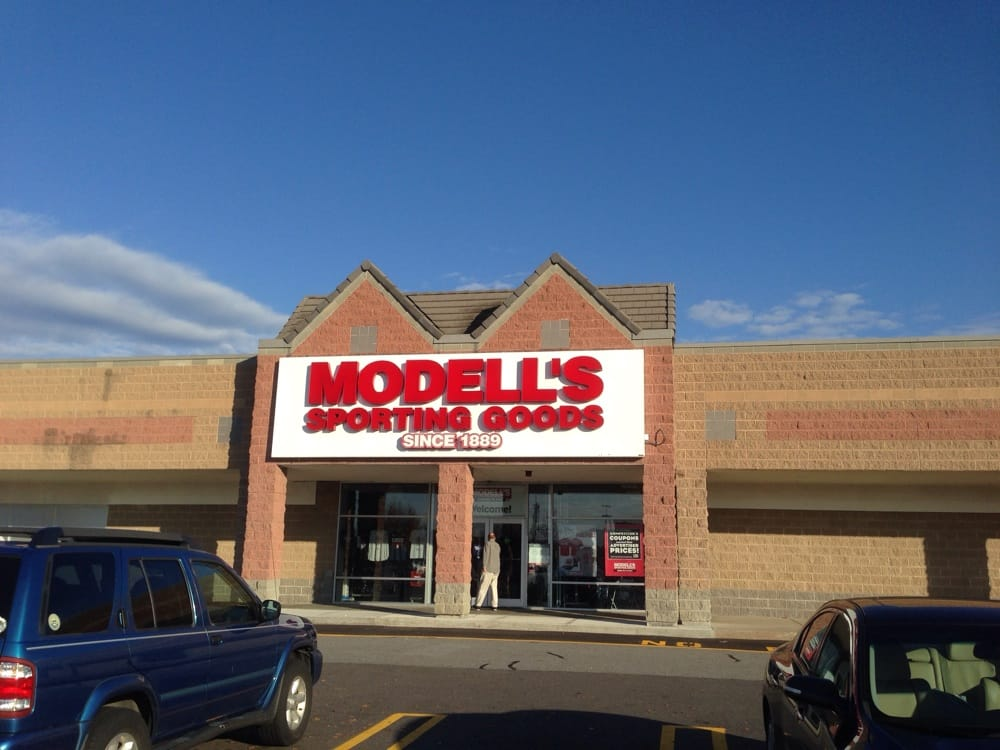 Modell's Sporting Goods: 258 Daniel Webster Hwy, Nashua, NH