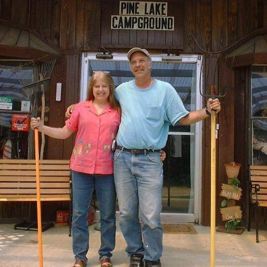 Pine Lake RV Resort & Campground: 32482 Hill Creek Rd, Wagram, NC