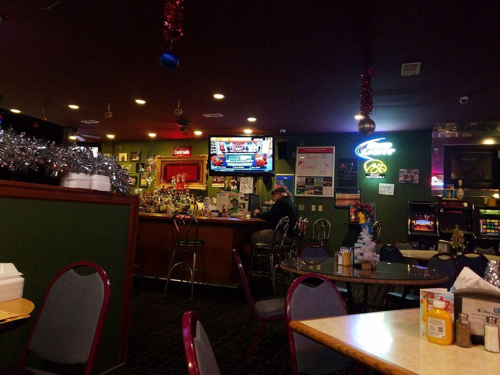 Mulligan's Bar & Grill: 2791 4th St SE, Mason City, IA