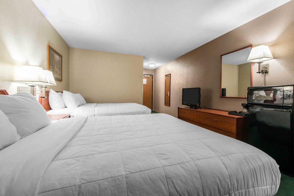 Comfort Inn: 2020 Leisure Lane, Sterling, CO
