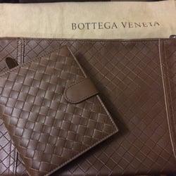 Bottega Veneta Woodbury Common Premium Outlet - Outlet Stores - 298 ...